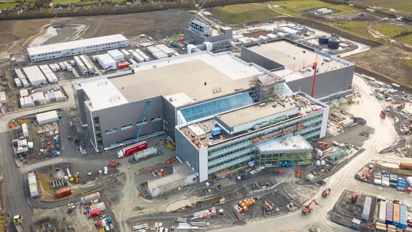 药明生物爱尔兰生物制药生产基地主体建筑封顶